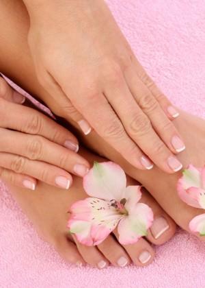 1252492195_toes&nails print