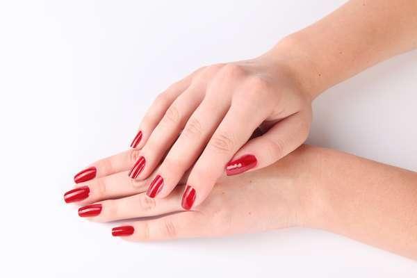 Преимущества гелевых ногтей