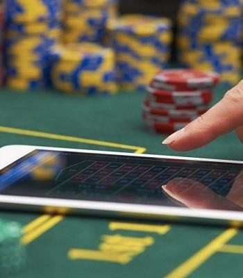 Почему онлайн-казино Aplay так популярно?